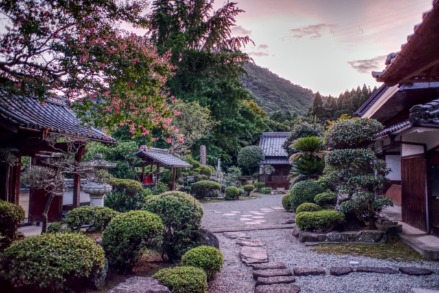 Preparing Seikoji Temple for the yearly Obon ceremony