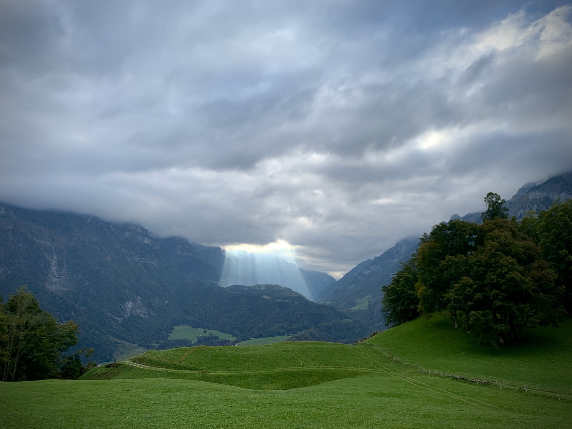 Hand of God - Schwammhöhe - Hiking Meditation
